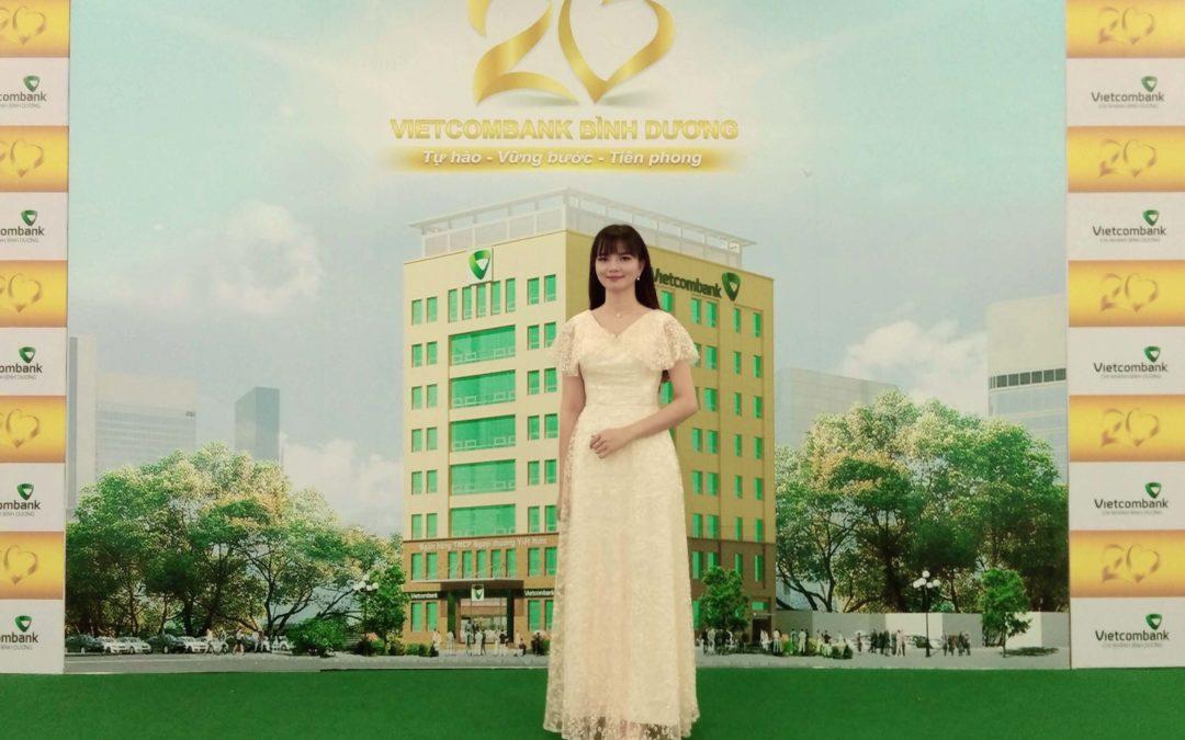 Biểu Diễn Vẽ Tranh Cát Sự Kiện 20 Năm Vietcombank Bình Dương